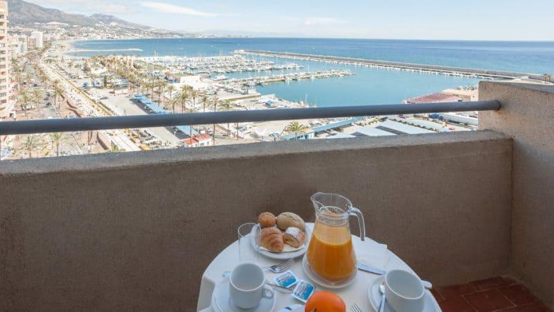 Petit Hotel Room Service